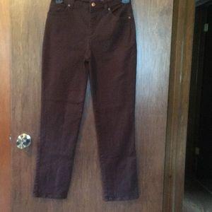 Brown jeans size 4  Gloria Vanderbilt worn 4 times